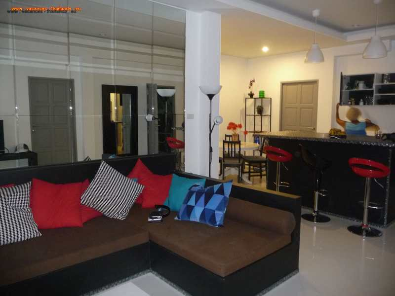 living-room-on-large-terrace-with-seating-very-comfortable-chaweng-koh-samui