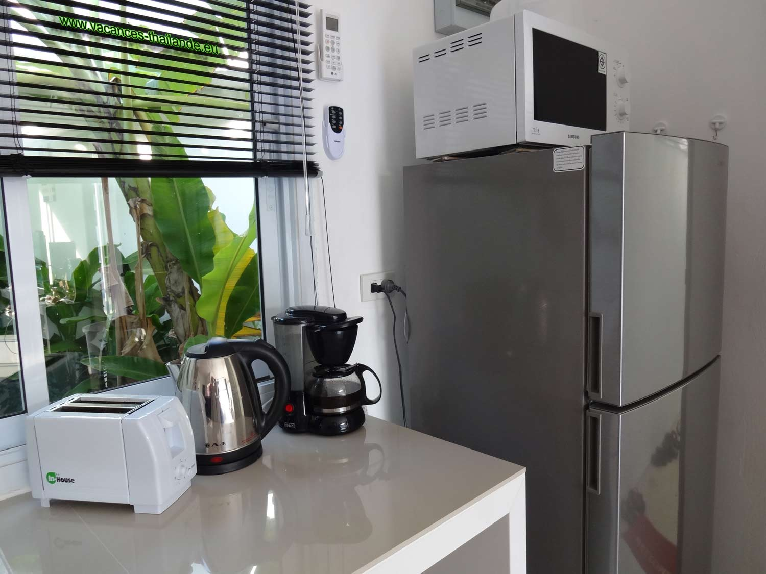 Photo 34 english center pin equipped kitchen electric stove, microwave oven and various accessory koh samui