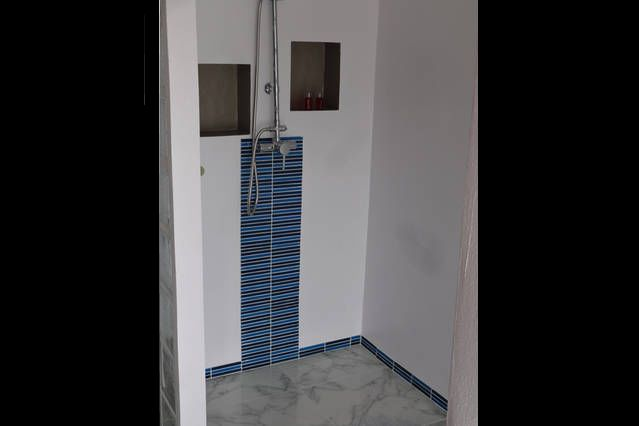 rental price studio dream large walk-in shower with hot water